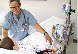 Christina Holford, BSN, RN, familiarizes herself on the monitoring capnography waveform technology. Photos courtesy of Methodist Hospitals, Gary & Merrillville, Ind. Image source: http://nursing.advanceweb.com/Features/Articles/Safety-Anesthesia.aspx